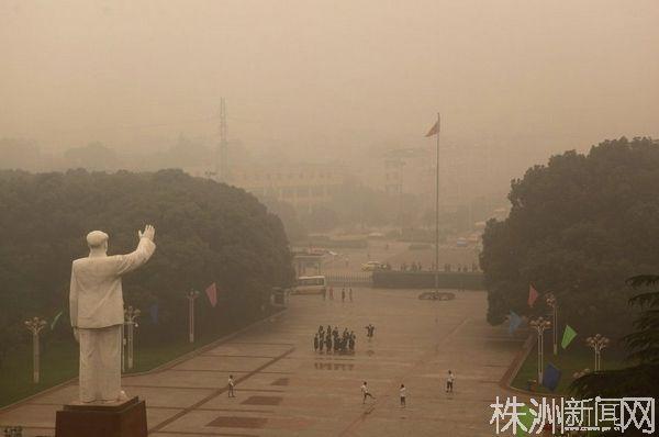 武汉气象台详解雾霾天气:邻省麦收区烟雾南输