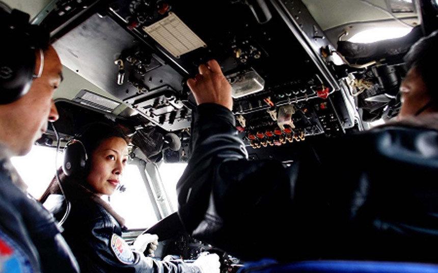 神舟九号航天员乘组3名航天员2男1女和3名预