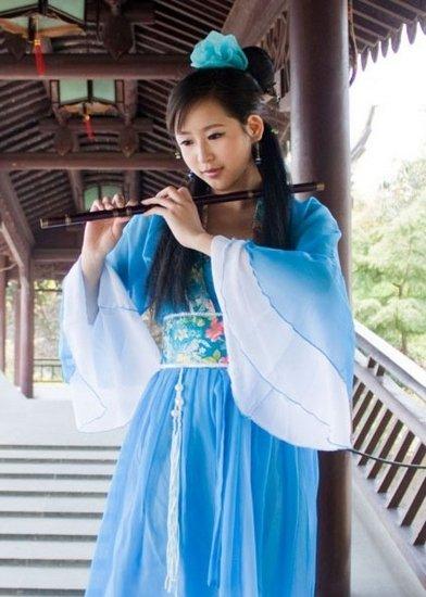 服装 交大/图为交大免费借给毕业生的服装造型:仙女