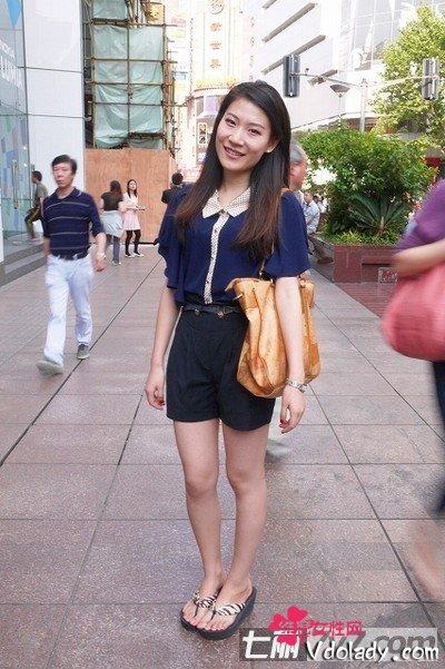 上海组图街拍美女身材鲜艳内衣!(色彩)美女长裙短打完美图片