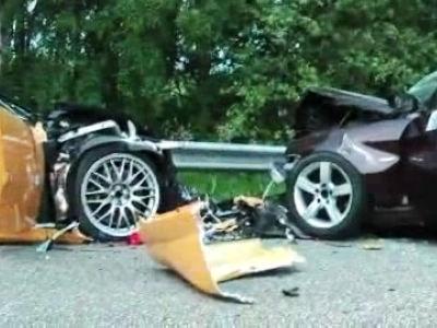 跑车也需注意安全 雷克萨斯超跑LFA撞车