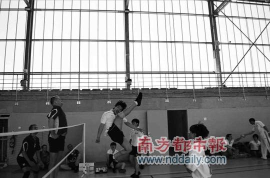 深圳第二实验学校、西乡中学混合毽球队,包揽欧洲杯毽球公开赛冠亚军
