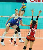 图文:中国女排3-0韩国 徐云丽动作别扭