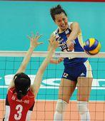 图文:中国女排3-0韩国 谁能拦住曾春蕾