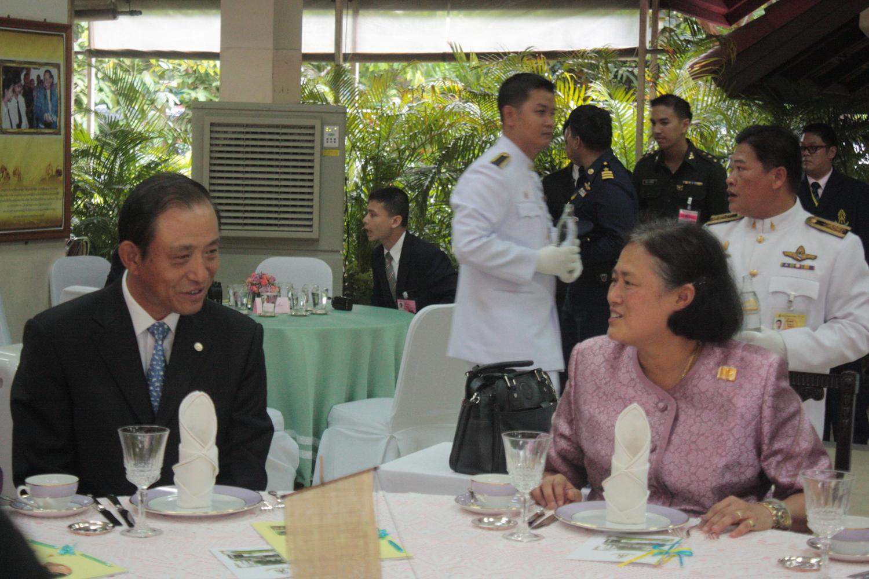 诗琳通 孔子/管木大使陪同诗琳通公主参观孔课堂成立三周年图片展