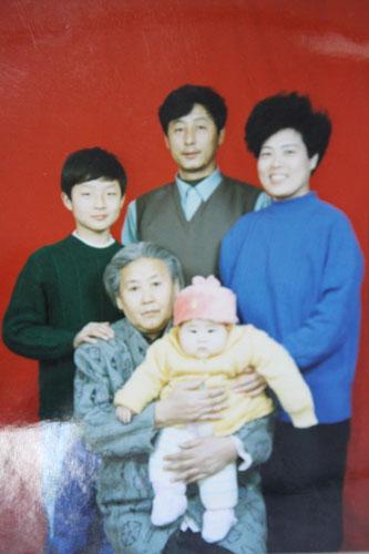 马志敏:我那时候腰间盘突出住院,起不来炕,他那时候刚四五岁,守在图片