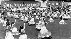 荷花舞的队形也有讲究图片