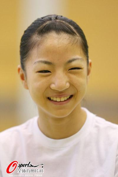 荷塘月色陶笛谱6孔-6月21日,日本女子体操队在东京味之素国家训练中心积极备战.训练