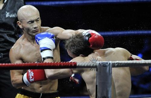 世界拳王争霸赛2012_图文:2012武林风环球拳王争霸赛一龙拳法犀利-搜狐体育
