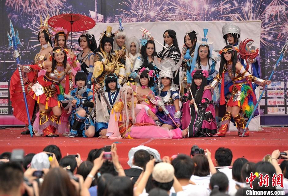 成都/6月24日,2012 ChinaJoy Cosplay 嘉年华西南赛区决赛在成都...