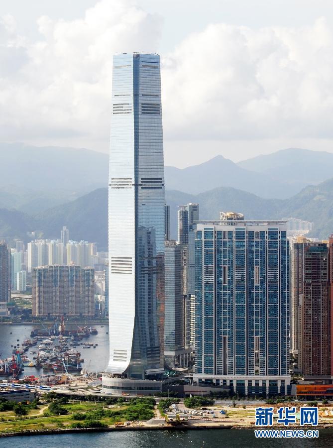 香港 贸易/香港环球贸易广场(ICC)大楼(2010年7月8日摄)。