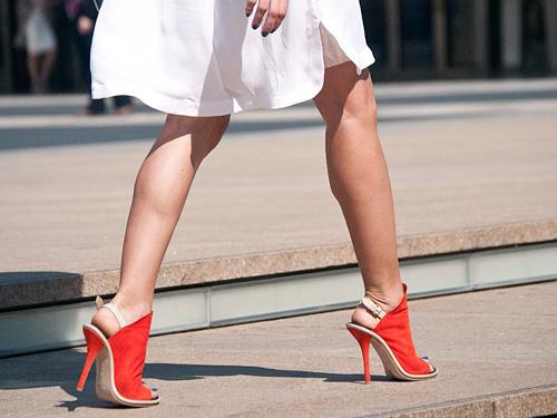 女人 高跟鞋/高跟鞋