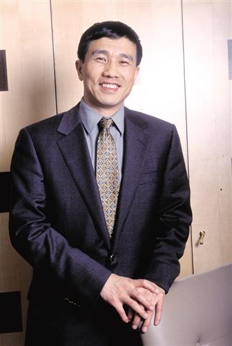 广汇集团董事局主席孙广信 政府可以设门槛, 但要把门打开