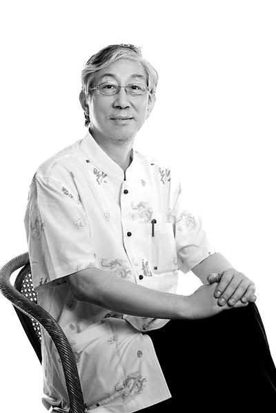 为杨钰莹创作了《风含情水含笑》,《茶山情歌》等歌.