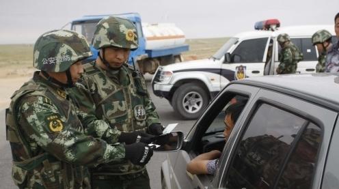 神九将返回:进入管理区的车辆接受检查。(《证券时报》快讯中心)