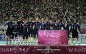 图文:2012世界女排大奖赛颁奖 美国疯狂庆祝