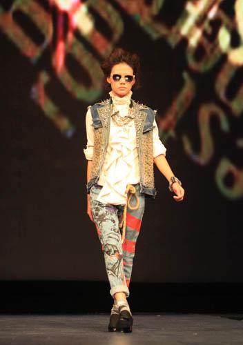 2013英威达创新牛仔面料发布SHOW