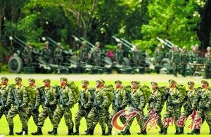 2011年11月,菲律宾军人在马尼拉参加军演。