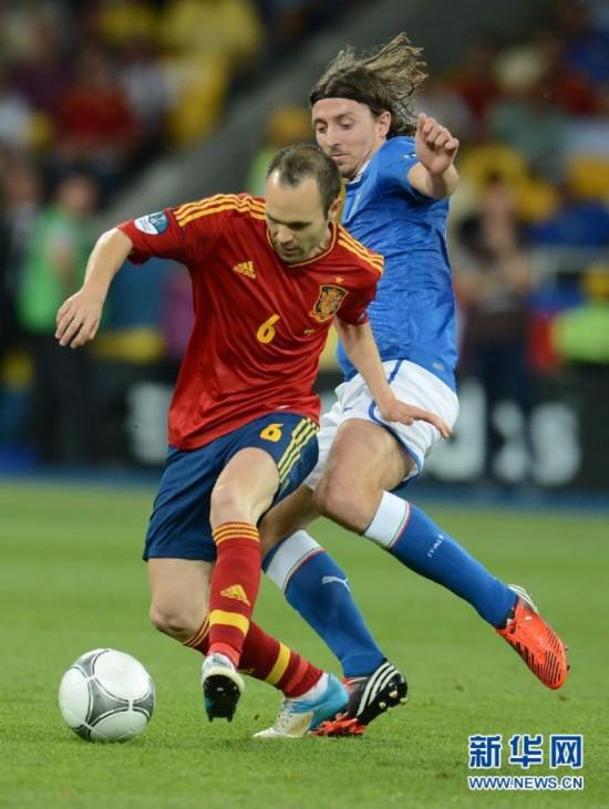 西班牙球星:伊涅斯塔被评为2012年欧锦赛最佳球员