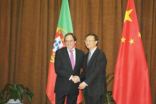 2012年7月3日,外交部长北京快3计划软件手机版下载,杨洁篪同来访的葡萄牙国务部长兼外交部长波尔塔斯举行会谈。