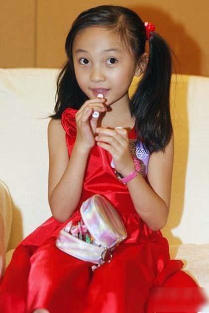 成年人日小幼女_待到成年礼之时,必定也是沉鱼落雁.