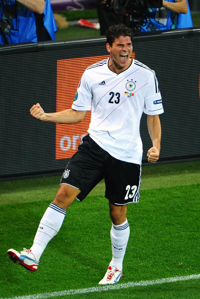 帅哥 西班牙/欧洲杯赛场上的帅哥之法布雷加斯
