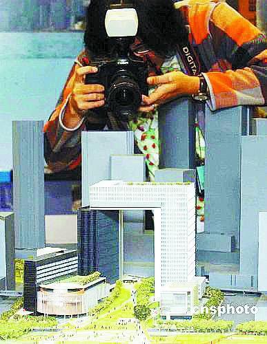 镜头捕捉特区政府新总部大楼模型的细节 Cnsphoto供图
