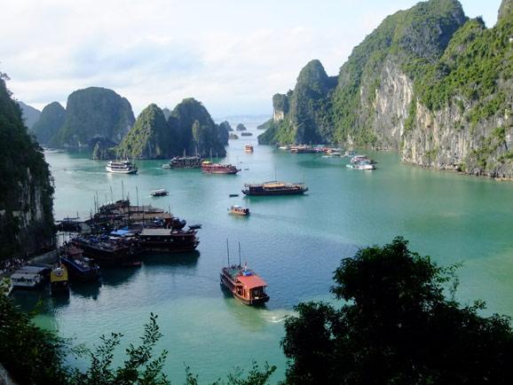 对越南的印象,多出自陈英雄的电影《三轮车夫》,另外有一部电影《恋恋三季》,里面也有一个三轮车夫的故事。