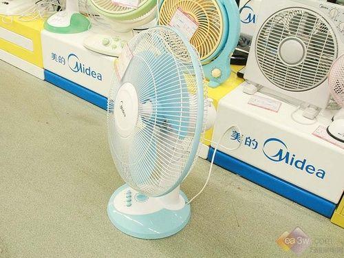 清新 电风扇/美的电风扇FT40/FT40外观设计小巧靓丽,首先天蓝色的机体颜色...