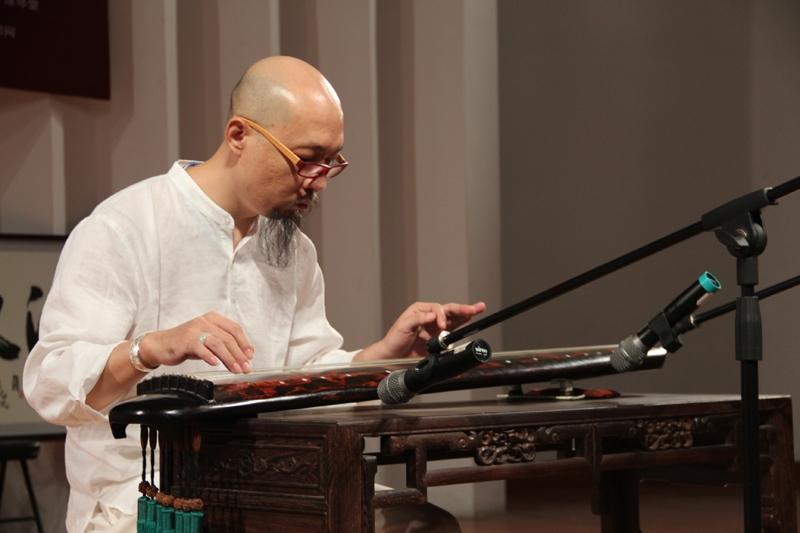 西安音乐学院古琴教授,古琴泰斗李仲唐演奏《流水》图片