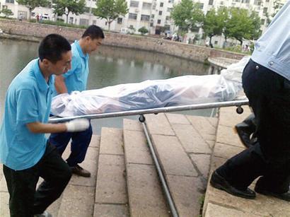 湖溺亡连发多起惨剧   7月3日,即墨刚刚发生一起12岁男孩溺水死亡事故