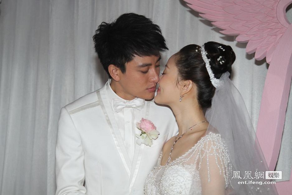 李小璐/李小璐贾乃亮甜蜜接吻