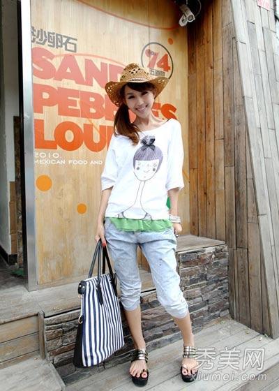 白色t恤+五分裤