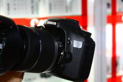 高像素、高连拍 佳能7D套机售价10500元