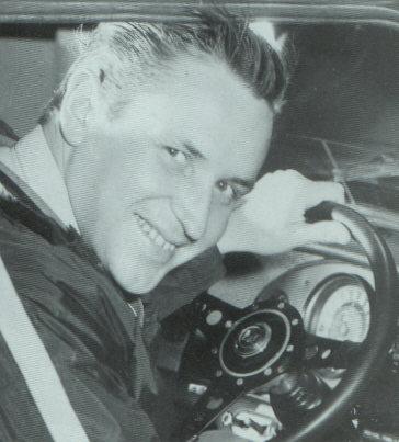 当时驾驶Mini的著名拉力赛车手Timo Makinen