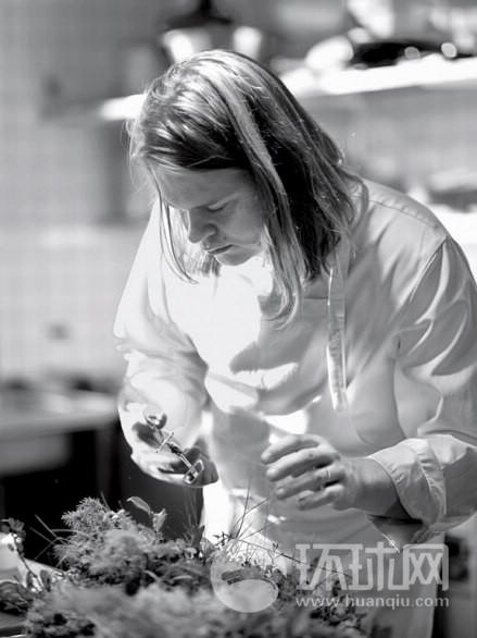 """厨师马格努斯尼尔森说,""""比起巴黎,我在这里可以得到更新鲜的食材。"""""""