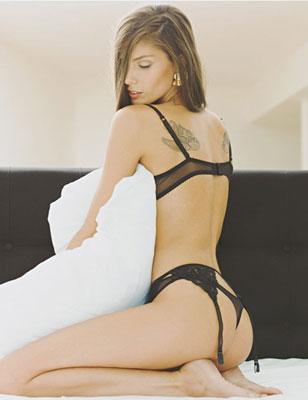 美女卧室全裸大胆放肆