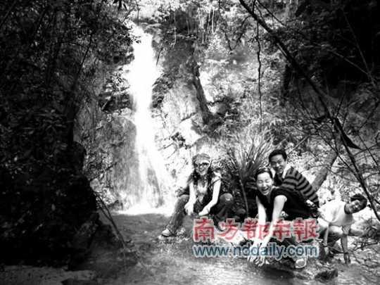 奇洞温泉直面田园风光。资料图片