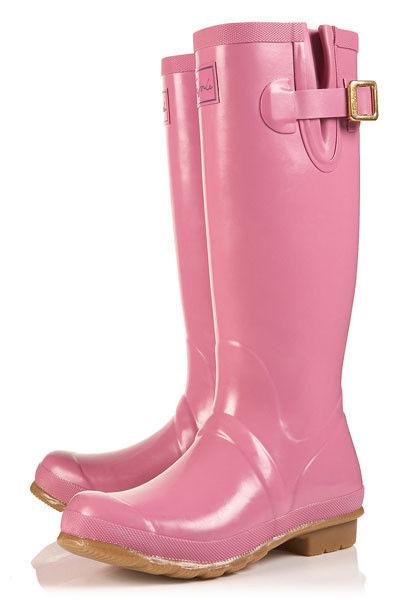 组图:靓丽雨鞋为出行加分添彩