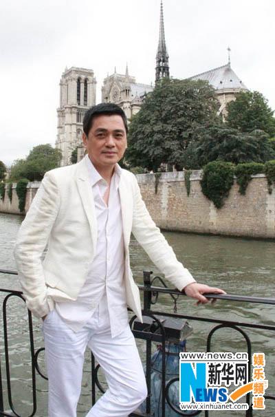 盛夏晚晴天 塞纳河畔开机 杨幂刘恺威携手赴法 高清图片