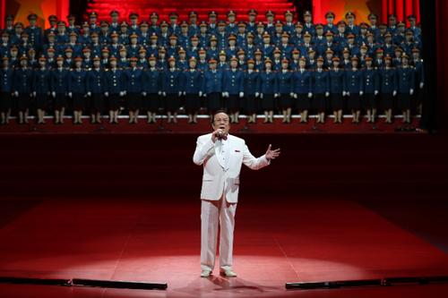 杨洪基演唱《我和我的祖国》