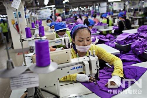 """阿迪达斯奥运特许商品生产厂柬埔寨""""神州工厂"""""""