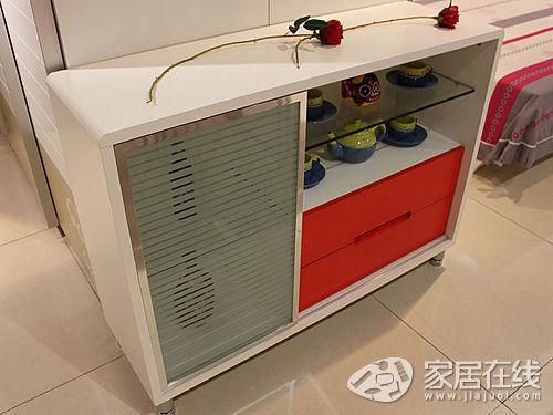 餐边柜(装修效果图)展示图-简约餐桌椅推荐 简洁白色扮靓餐厅高清图片