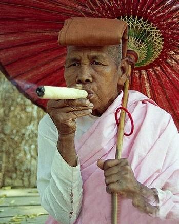 社会地位低下的缅甸女人【组图】