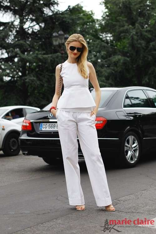 腰摆设计的上衣是今年的潮流新品