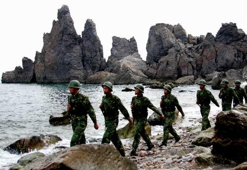 郭伯雄:2012年或有重大事件 解放军坚决防范(组图)