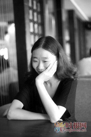 薛陈爽,在英国伯明翰大学学习,她觉得英国留学生活福利还不错