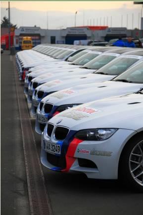 BMW M跑车整装待发