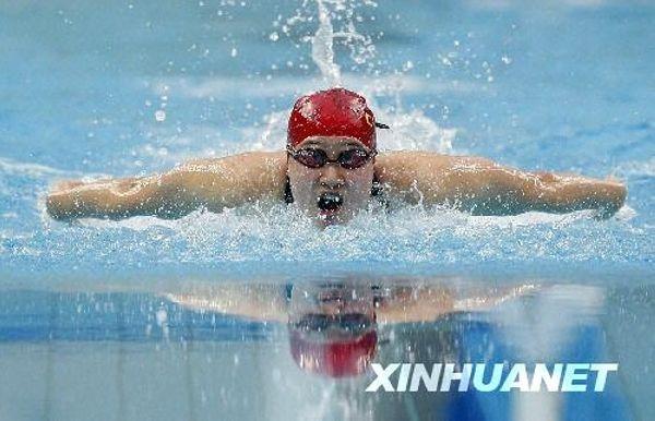 18.女子200米蝶泳