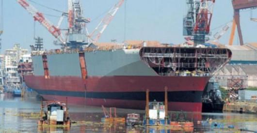 印度开始建造第二艘国产航母[图]